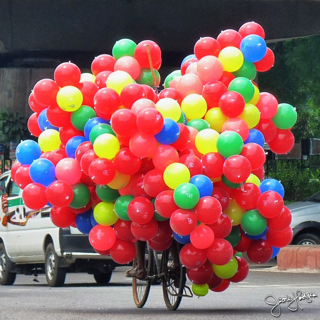 balloons-in-traffic-square